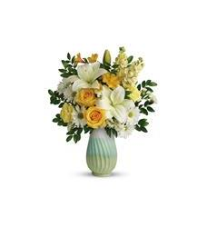 Teleflora's Art Of Spring Bouquet (T18E100A)