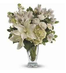 Teleflora's Purest Love Bouquet (TEV30-2A)