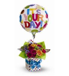 Teleflora's Happy Birthday Present (TFWEB309)
