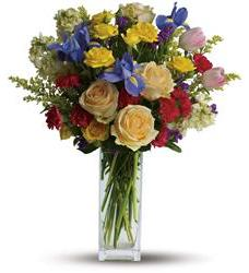 Teleflora's Southern Living Golden Glow Bouquet (TFWEB586PM)