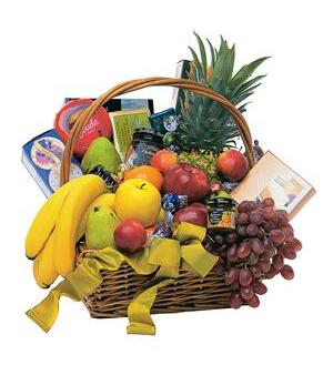 Gourmet Fruit Basket (TF155-1)